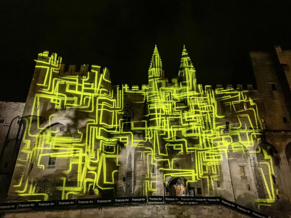 Robe-2020-Helios-Festival-Avignon-IMG1133-P