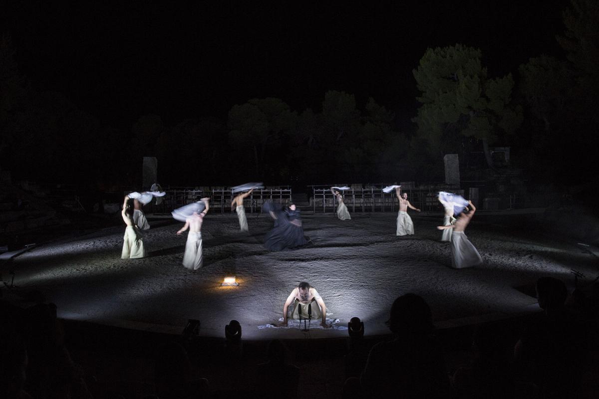 Robe-Greek-National-Theatre-The-Persians-AH4A2118-photo-Thomas-Daskalakis